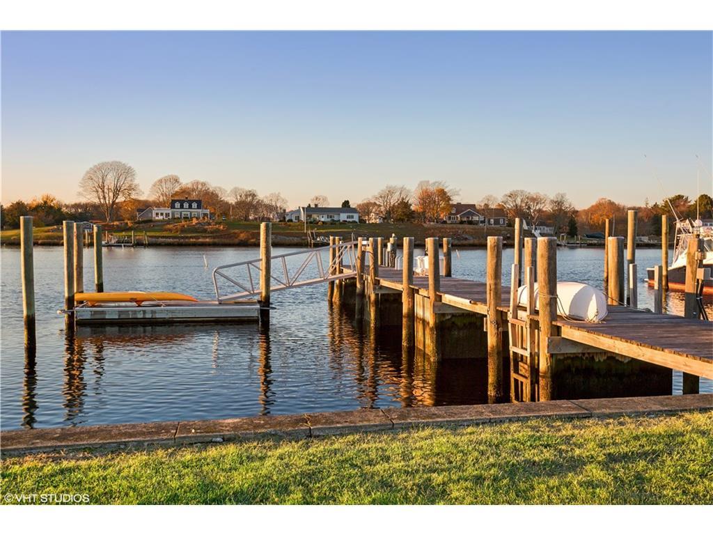 Deep Water Dock w 2 Moorings