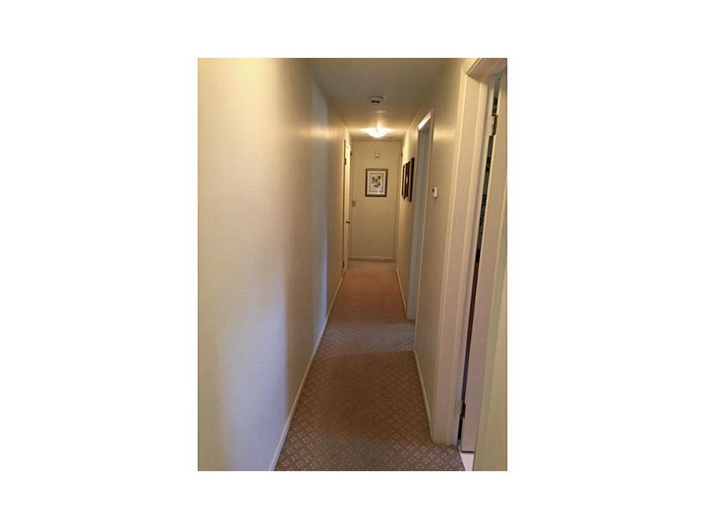 9 West Ridge Rd | Hallway