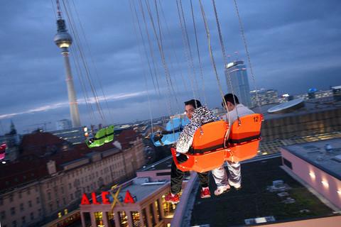 berlin-fernsehturm-karussell.jpg