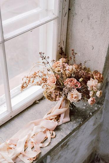 Bridal bouquet silk ribbons. Silkkinauha morsiuskimppu.