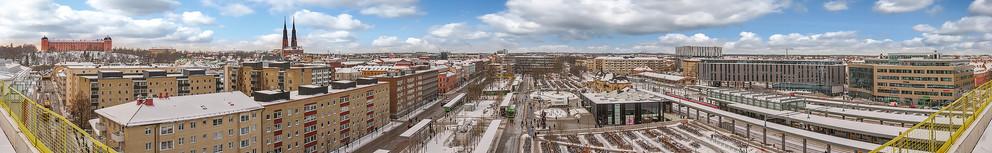 Uppsala_centeral_station_med_måln.JPG