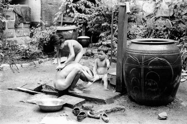 북촌 가회동 집에서  - 1953
