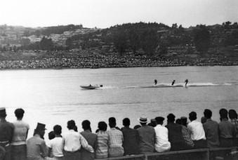 국내 최초로 거행된 한강 모터보트 경주대회