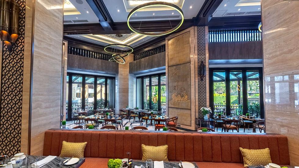 Lighting-Contrast Ratio-Restaurant Light