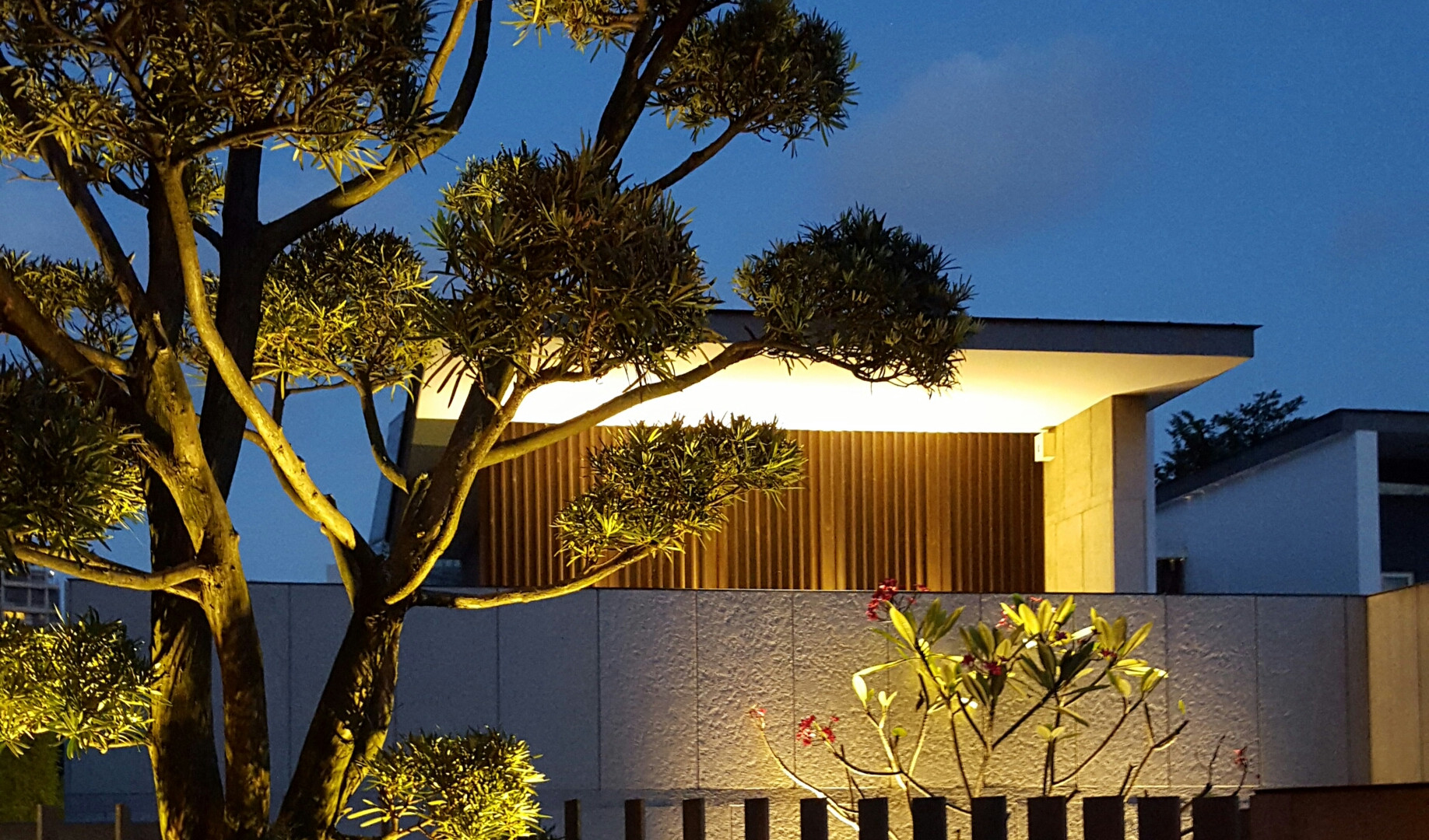 Lighting-Contrast Ratio-Residential Land