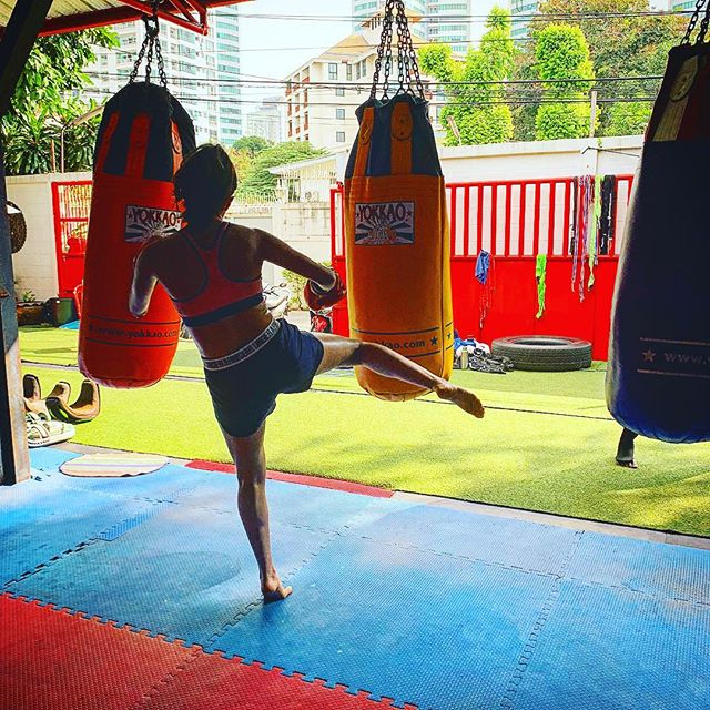 _eliana_omalley working the bag _yokkao