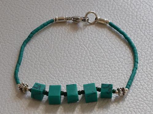 "Bita Green Square Bead 7"" Bracelet"
