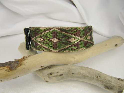 "Men's 9"" Dark Green Embroidered Bracelet"