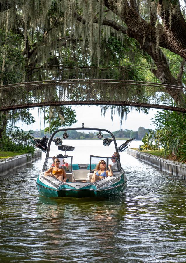 Varatti watersports boat
