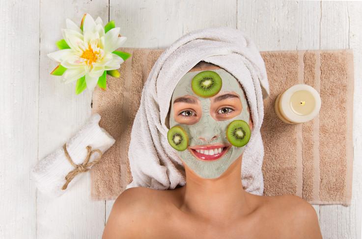 face_mask_woman_spa_3.jpg