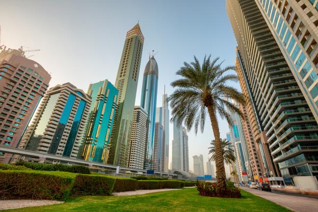 Sheikh_Zayed_road_morning_1.jpg