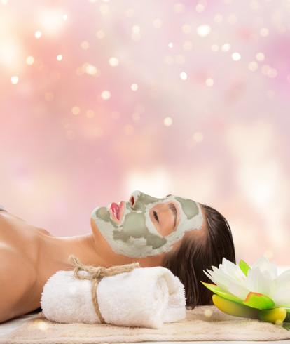 Women_face_mask_clay_spa_wellness_5j.jpg