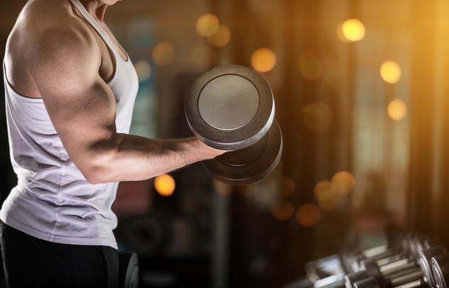 fitness_muscle_dumbbell_man_3b.jpg