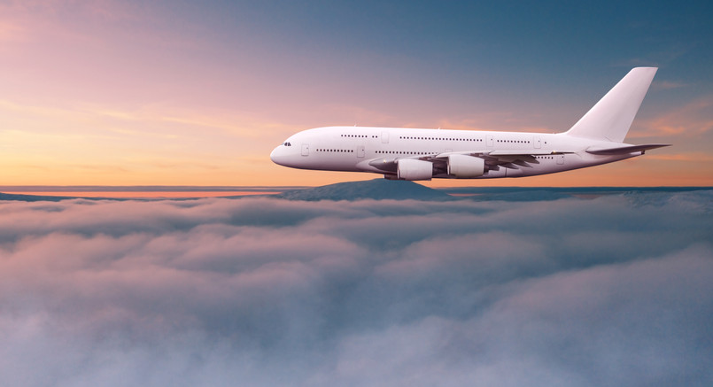 Jetplane_airplane_fly_above_clouds_14h.j
