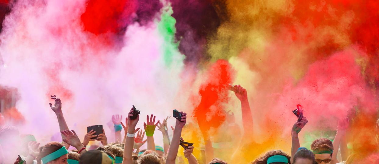 Color_run_powder_dust_people_12c.jpg