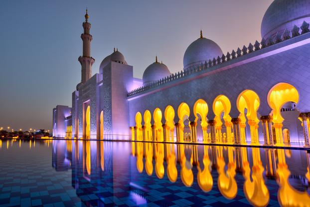 Grande_Mosque_Shaikh_Zayed_Abu_Dhabi_nig
