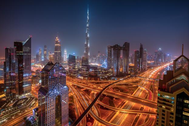Sheikh_Zayed_crossroad_night_1.jpg