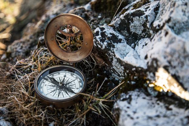 compass_outdoor_mountains_stone_1.jpg