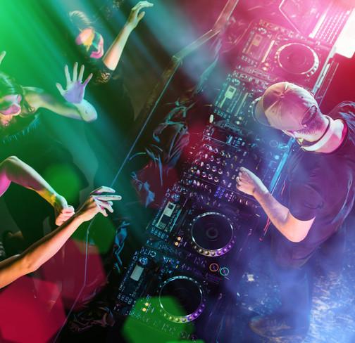 DJ_dance_1b.jpg
