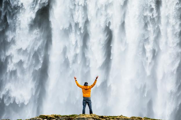 waterfall_man_silhouette_4.jpg