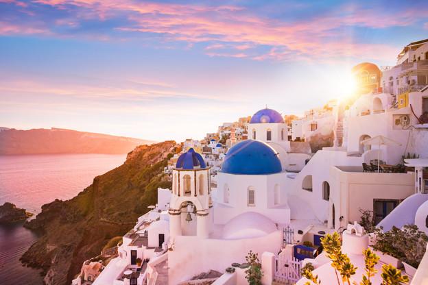 Sunset_Oia_Santorini_Greece_16b.jpg
