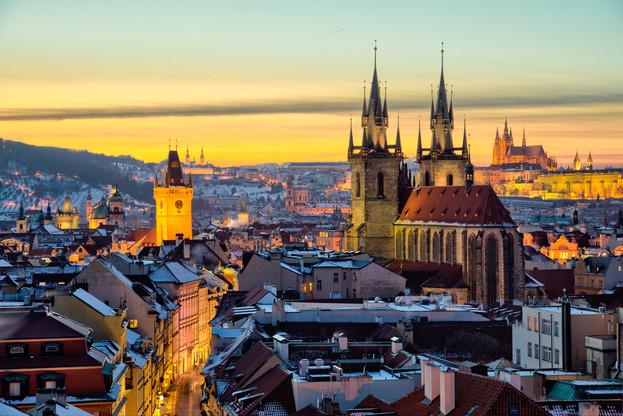 Old_Town_Prague_winter_1.jpg