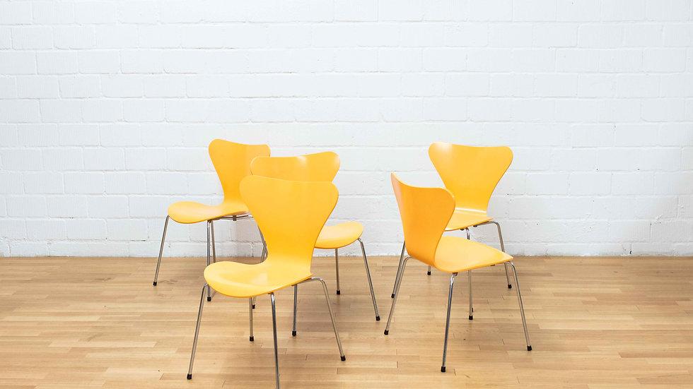 Fritz Hansen 3107 Stühle von Arne Jacobsen