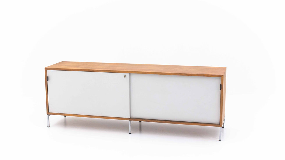 Florence Knoll Bassett Sideboard von Knoll International