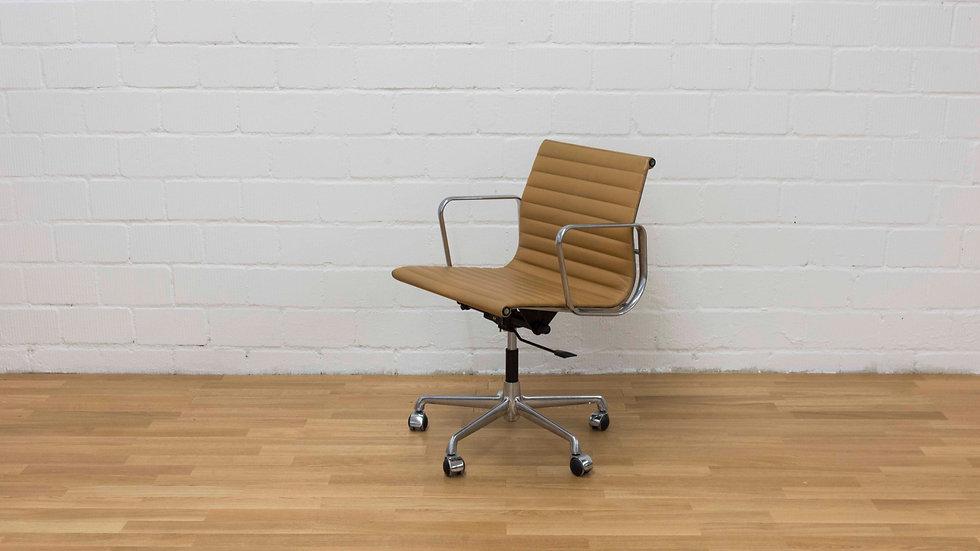 Eames EA 117 Bürostuhl von ICF