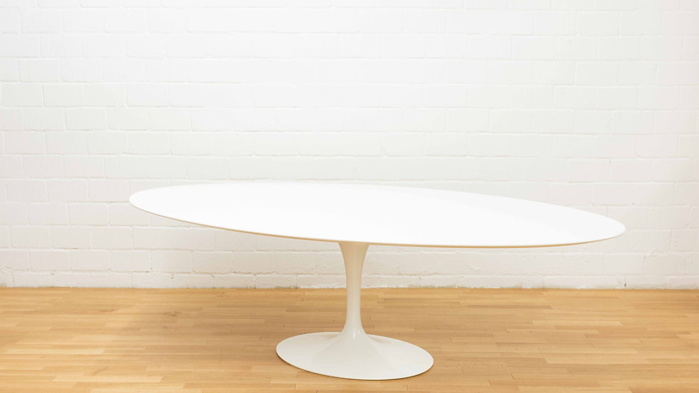 Eero Saarinen Tulip Table Oval 244cm von Knoll International