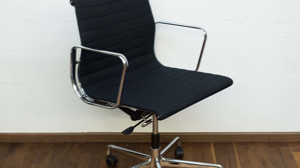 Eames EA 117 Bürostuhl von Vitra
