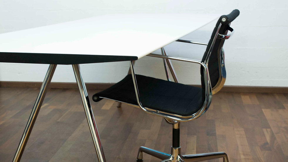 Hans Eichenberger Tisch von Wogg