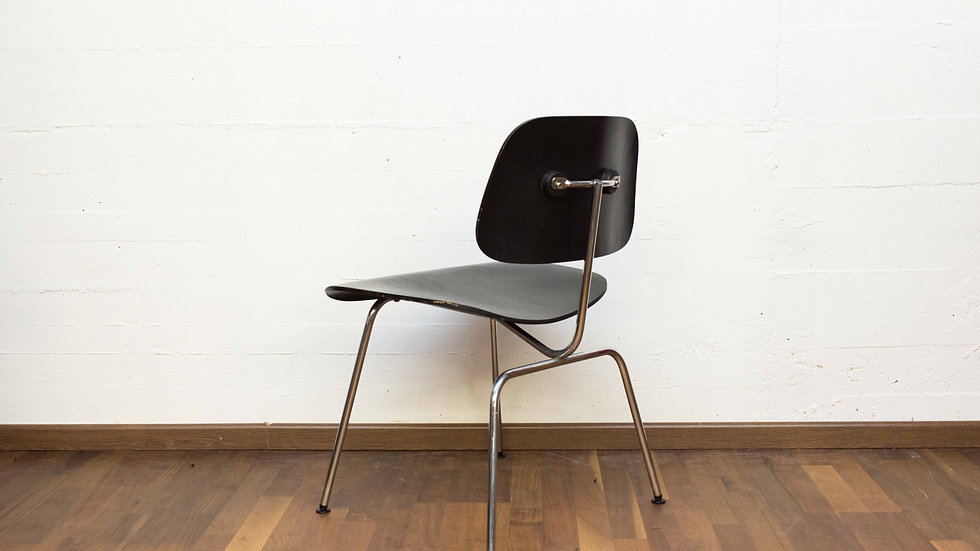Charles & Ray Eames DCM von Vitra / Herman Miller