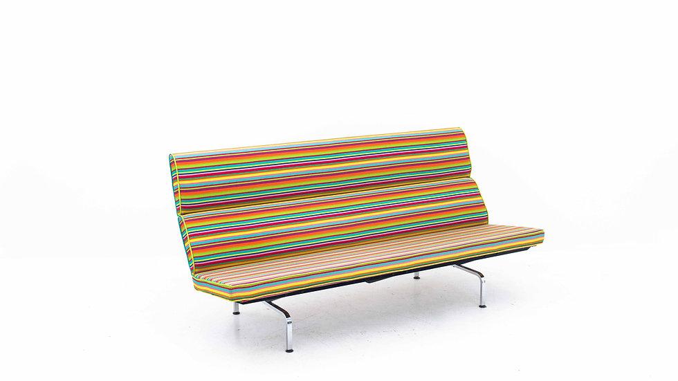 Eames Compact Sofa in Stoff von Alexander Girard von Vitra