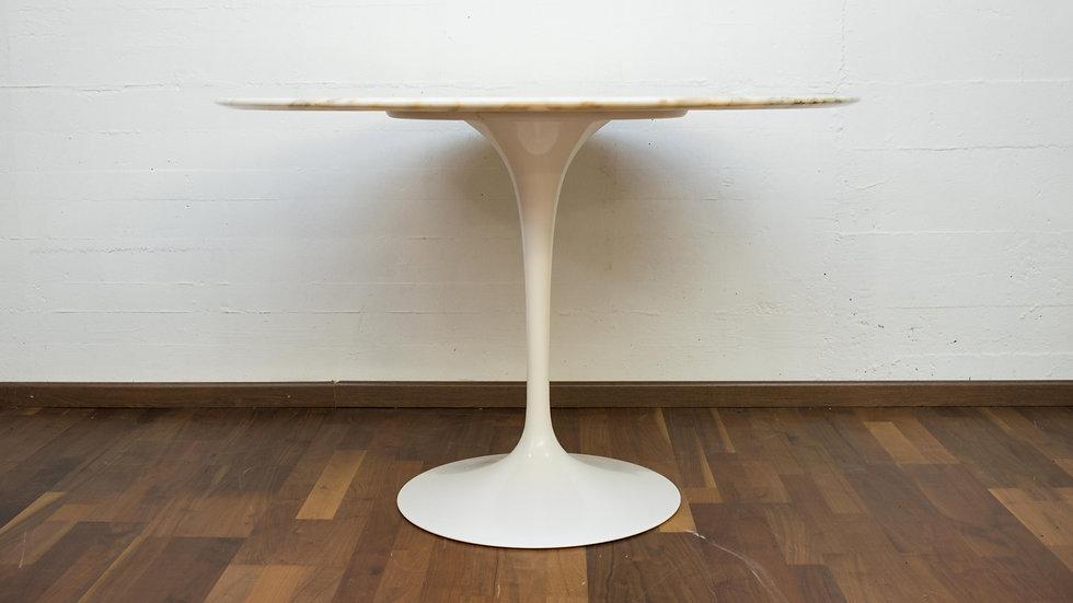 Vintage Eero Saarinen 107cm Marmor Tulip Table von Knoll International