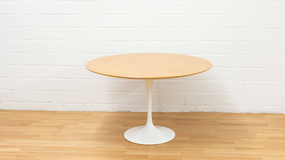 Eero Saarinen Tulip Table 120cm von Knoll International