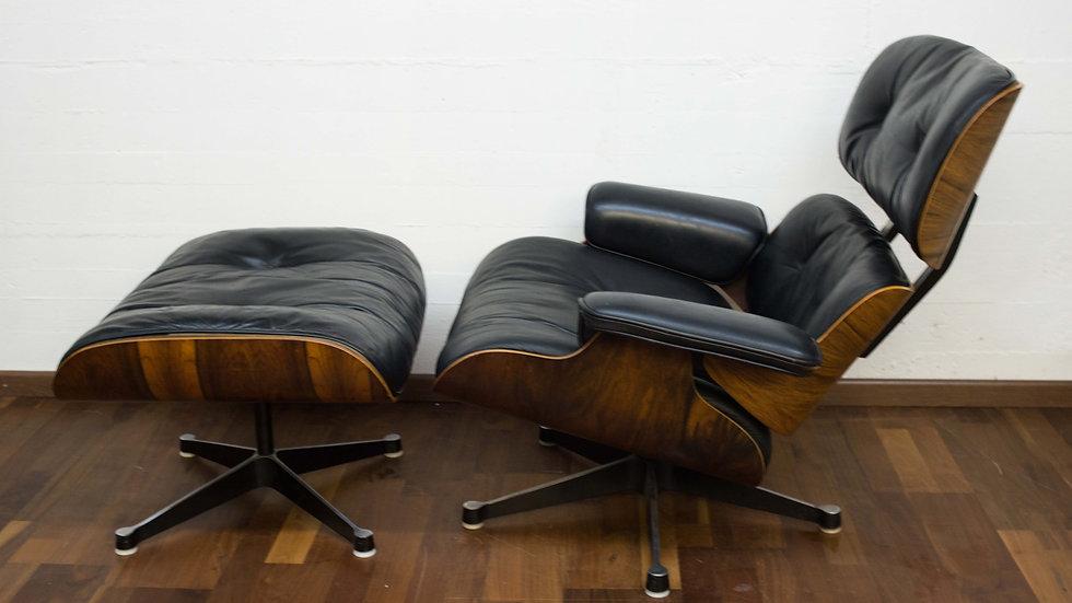 Charles & Ray Eames 670 Lounge Chair & 671 Ottoman von Vitra