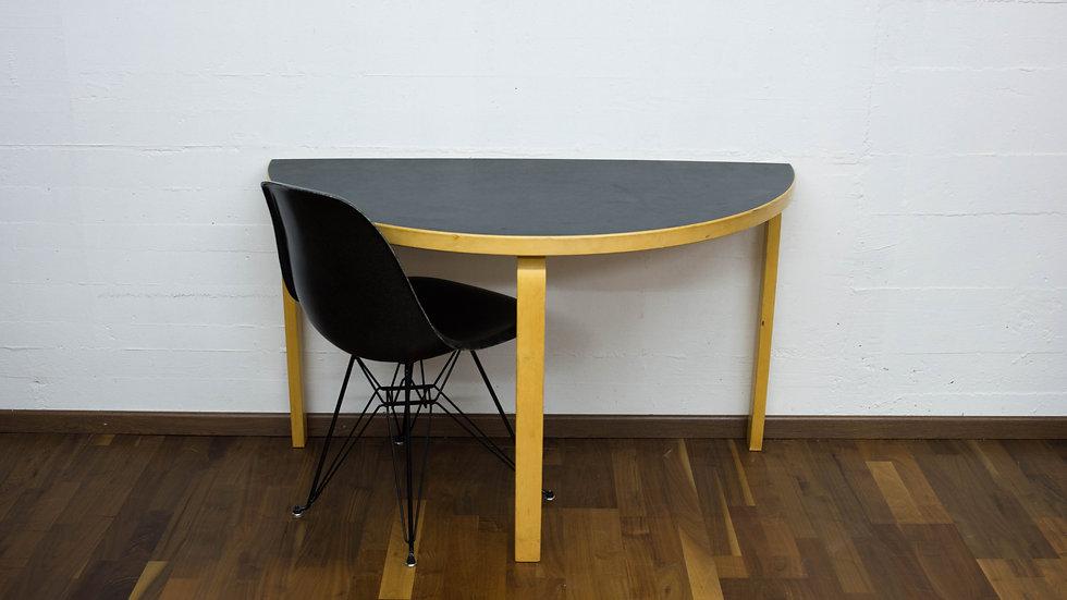 Alvar Aalto 95 Tisch Linoleum von Artek