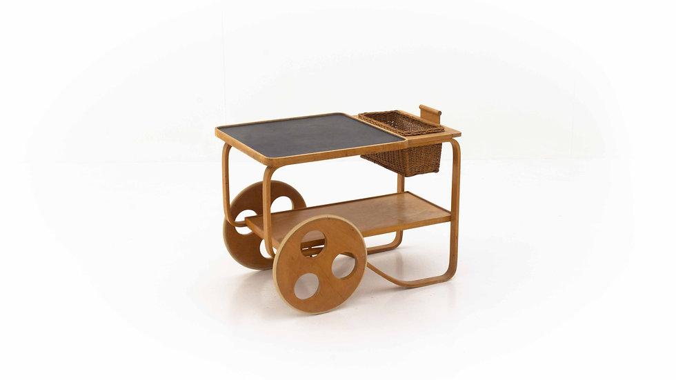 Teewagen von Alvar Aalto, produziert von Horgenglarus für Wohnbedarf