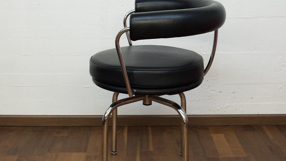 Le Corbusier LC7 Stuhl von Cassina
