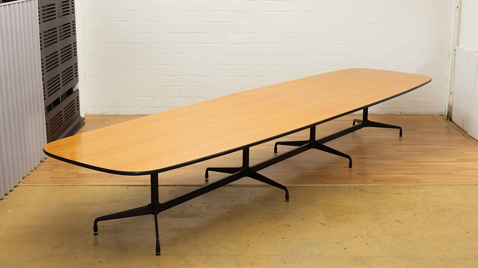 Charles & Ray Eames Segmented Table Dining 520cm