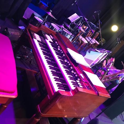 Hammond B-3 ready to rock