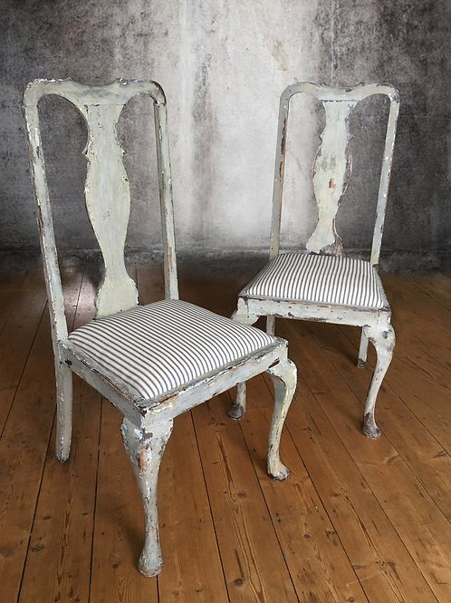 Six shabby-chic dining chairs