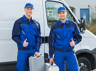 Picture of Two Technicians giving thumps up signals