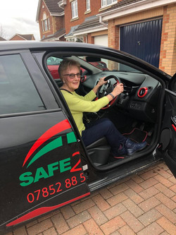 refresher driving lessons Safe2go drivin