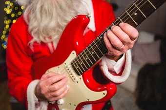 FIFTY3 FRIDAYS: DUSTING OFF 10 ALTERNATIVE CHRISTMAS SONGS