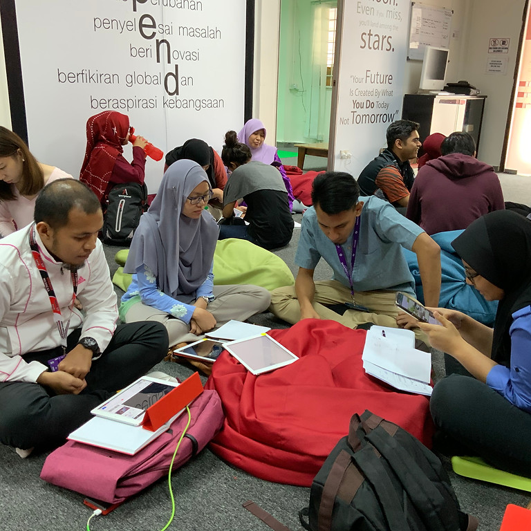 Digital Learning Design Workshop with Maxis