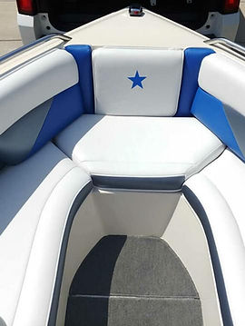 Hollys Custom Canvas and Boat Upholstery, Mooresville IN