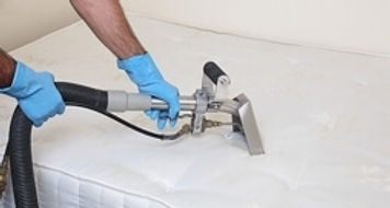 Nettoyage & désinfectin de matelas à Avignon & dans le Vaucluse, nettoyage de matelas à Toulon, Hyères & Saint-Tropez dans le Var 83