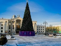 New Year tree by the Soldatov Palace of Culture